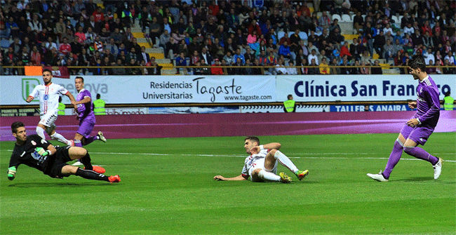 Video resumen Cultural Leonesa - Real Madrid (1-7). Copa del Rey�