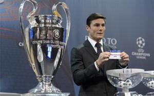 Zanetti, durante uno de los sorteo previos de la Champions 2015/16