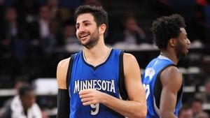 Ricky Rubio seguirá jugando en Minnesota