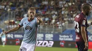 Wass celebra el cuarto gol del Celta en Ipurua