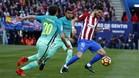 Yannick Carrasco será titular ante el Barça