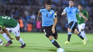Luis Suárez no viajará con Uruguay para recuperarse bien