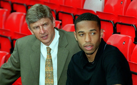 Ars�ne Wenger y Thierry Henry, durante su etapa como jugador del Arsenal