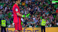 Bar�a reveal Bravo suffered calf strain in Real Betis win