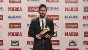 Leo Messi recibió la Bota de Oro 2016 / 2017