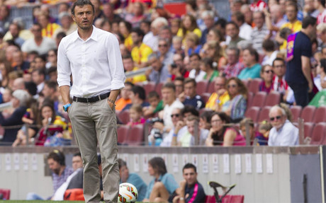 Luis Enrique sigue el Bar�a-Athletic Club desde la banda