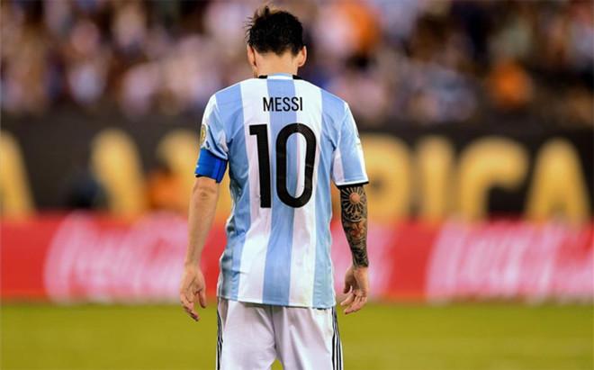 Messi sigue muy lejos de un posible regreso con Argentina