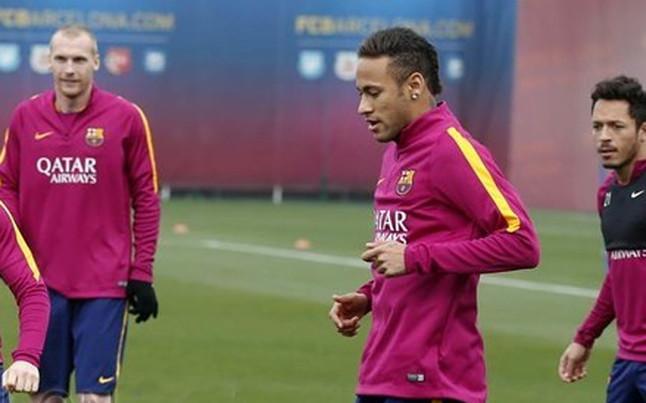 Neymar vuelve a entrenar con normalidad