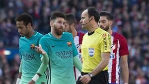 Mateu Lahoz ya pitó varios Atlético - Barça
