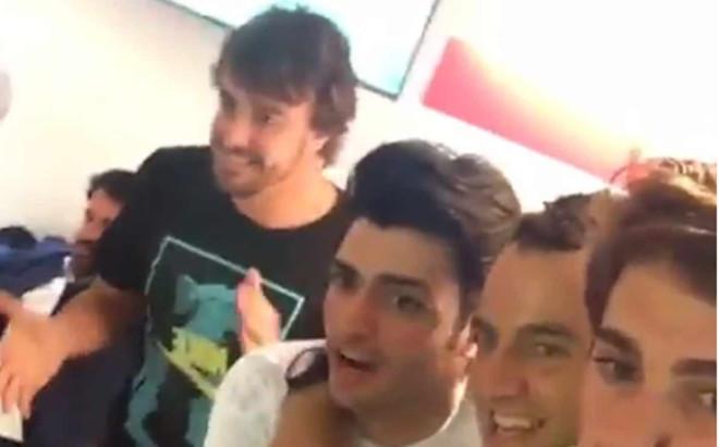 Alonso y Sainz celebraron la und�cima
