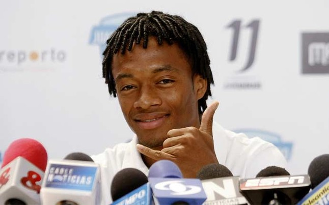 Barcelona & Bayern set to battle it out for Juan Cuadrado; Fiorentina want €42m for Colombian [SPORT]