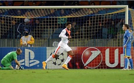 Luiz Adriano fue el gran protagonista de la noche