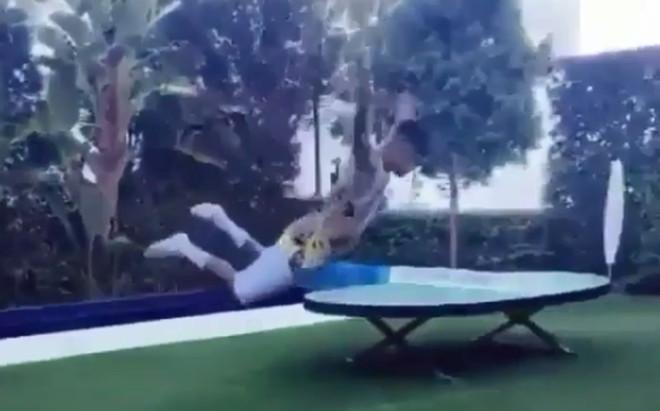 El piscinazo de Neymar
