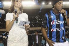Ronaldinho, ante la afici�n del Quer�taro