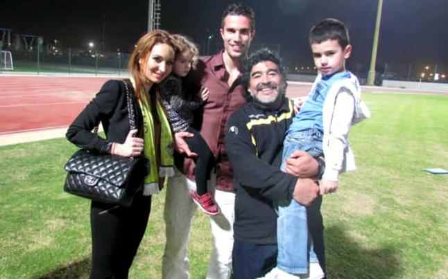 Van Persie cumplió un sueño al conocer a Maradona | Foto: @Persie_Official