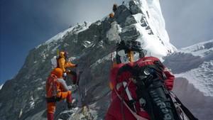 Desde que se inició la temporada más de 500 alpinistas han pedido permisos para escalar el Everest