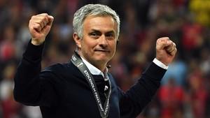 Mourinho defendió una vez más el estilo de juego de sus equipos