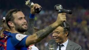 Aleix Vidal celebró el título de la Copa del Rey