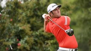 Jon Rahm, durante un golpe en la última jornada del PGA Championship