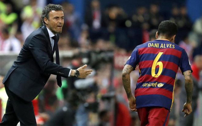 Alves no volver� a estar bajo las �rdenes de Luis Enrique