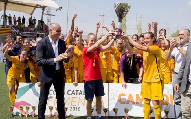El Bar�a Femenino se impuso al Espanyol por 6-0 para ganar la Copa Catalunya