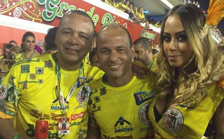 La familia Neymar fue protagonista en el Carnaval de Rio