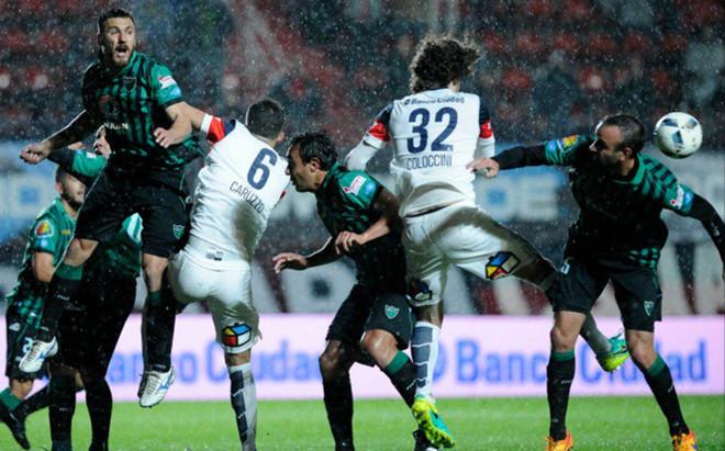 Un lance del partido de San Lorenzo