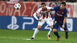Luis Suárez, en el Olympiacos - FC Barcelona