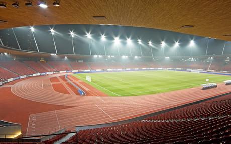 Panorámica del estadio de Letzigrund en la ciudad de Zúrich