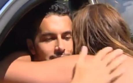 Pedro consuela a una aficionada