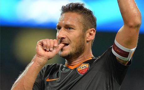 Totti neutraliz� el gol de Ag�ero en el Ettihad Stadium