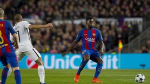 Umtiti durante el Barça-PSG de Champions (6-1)
