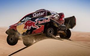 Espectacular imagen de Al-Attiyah en el desierto de Abu Dhabi