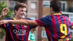Sergio Gómez y Abel Ruiz celebrando un gol cuando los dos estaban en el infantil A