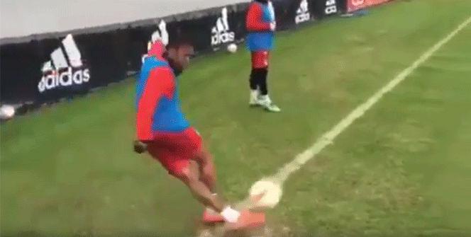 Douglas Costa revoluciona la red con un gol ol�