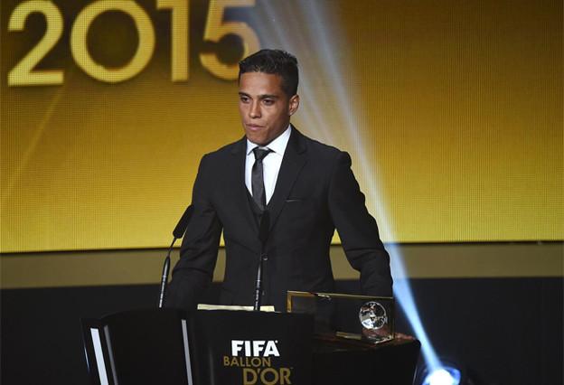 El ganador al mejor gol del año de la FIFA pasa a trabajar en una cafetería