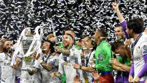 La plantilla del Real Madrid celebra la conquista de la Champions 2016/17