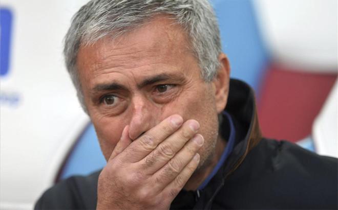 Jos� Mourinho, preocupado por la lesi�n de unjugador imprescindible