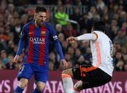 Messi vio la quinta amarilla frente al Valencia