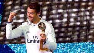 Cristiano Ronaldo celebra el Balón de Oro en el Mundial de Clubes de 2016
