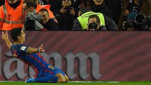 Así festejó Luis Suárez el 1-0 que dio tranquilidad al FC Barcelona a dos minutos para el descanso