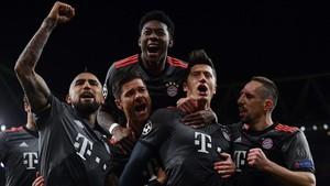 Lewandowski celebra el empate que dio paso a la goleada