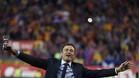 GRA431. MADRID, 22/05/2016.- El entrenador del FC Barcelona Luis Enrique celebra la consecuci�n de la Copa del Rey tras vencer en la final al Sevilla FC por 2-0, esta noche en el estadio Vicente Calder�n, en Madrid. EFE/Javier Liz�n