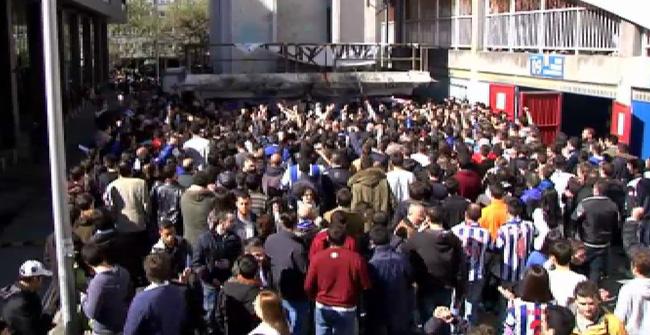 Doscientas personas recuerdan en Riazor al aficionado fallecido en Madrid