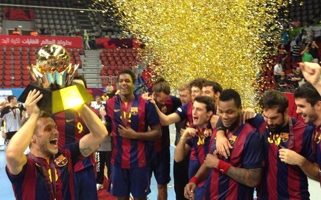 Los jugadores del Barça, celebrando el título en la pista