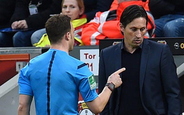 �Espantada arbitral en el Bayer Leverkusen-Borussia Dortmund!