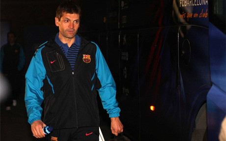 Tito bajó el sábado el primero del autobús en el Camp Nou y se abrazó con todos