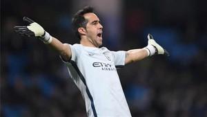 Bravo ha perdido la titularidad en la Champions y en la Premier League
