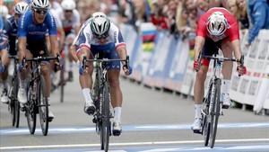 Sagan lanza la bici para superar al noruego Kristoff