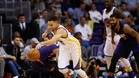Curry roz� el triple doble ante los Suns